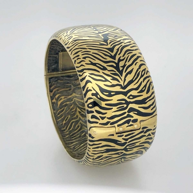 1903-53 Silver Tiger Cuff with Yellow Gold Plating Feature Jpeg
